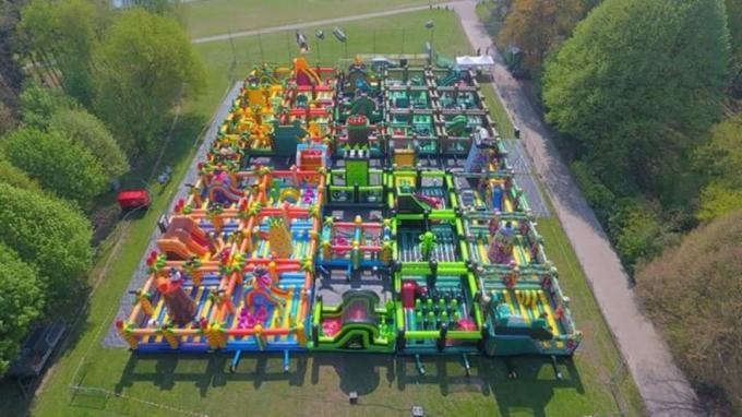 Er kunnen telkens 500 kinderen spelen.© gf