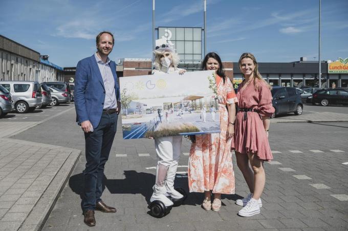 Ceo Nicolas Beaussillon met shopping manager Brenda Lombary en woordvoerder Charlotte Tahon.© Olaf Verhaeghe
