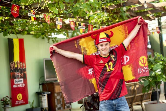 Jens Devos wil van De Nieuwe Appel dé EK-hotspot van de Westhoek maken.©JOKE COUVREUR
