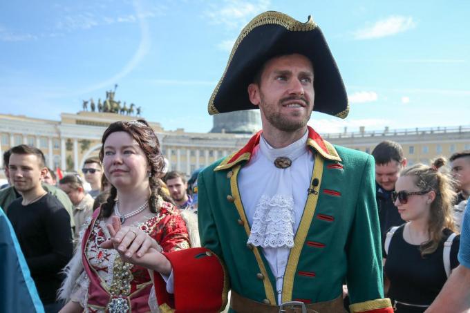 Nicolas Lombaerts als tsaar Peter De Grote in Sint-Petersburg. De verdediger speelde er in totaal tien jaar.© TASS via Getty Images