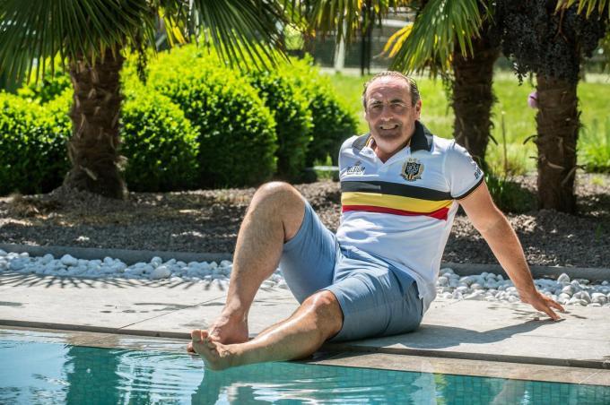 Yves Vanderhaeghe is net terug van een deugddoende vakantie. Hij kijkt uit naar het EK dat zaterdag start voor de Rode Duivels. (foto SB)© Stefaan Beel
