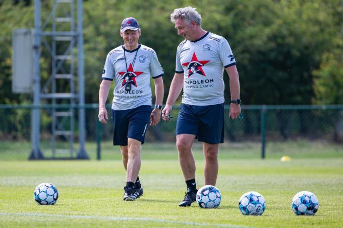 Francky Dury en de nieuwe physical coach Gino Caen.© (Foto BELGA)