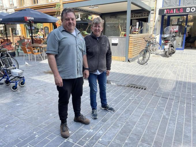 Frank en Natacha voor hun zaak De Smoefeloare: horeca-ervaring zat. (foto JRO)©Jeffrey Roos