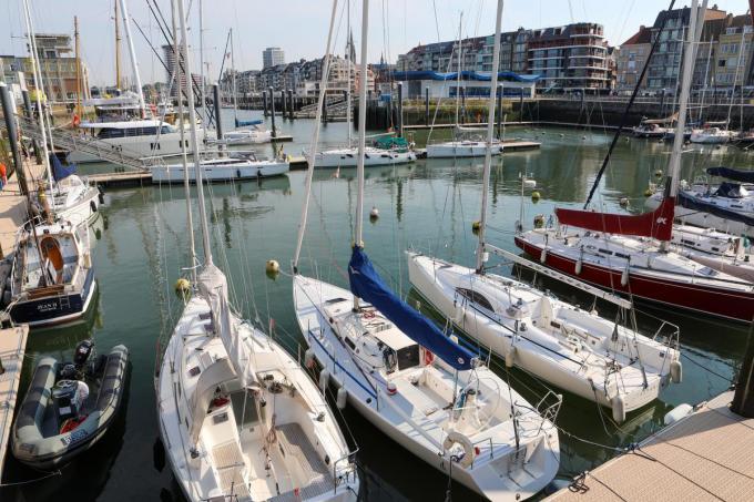 De Royal North Sea Yacht Club heeft zijn stek in het Montgomerydok. (foto PM)©Peter MAENHOUDT