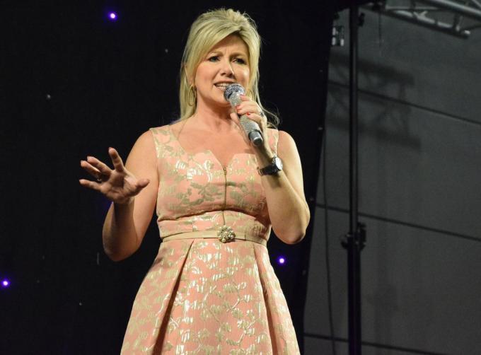 Lindsay is ook van de partij in het dan ook ongetwijfeld 'zonnige' Middelkerke.© PADI/Jens