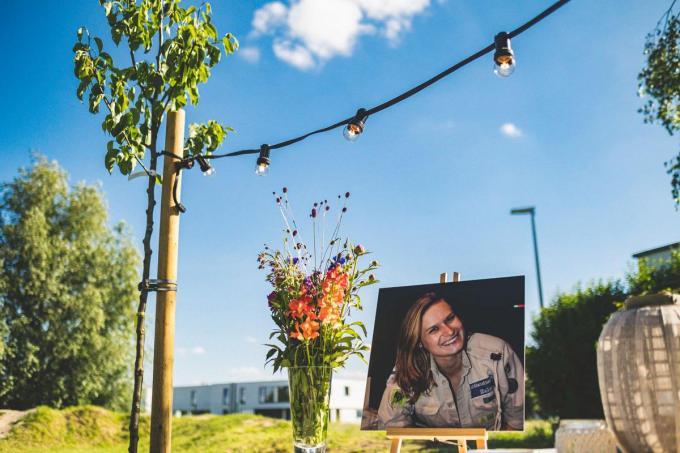 Er werd ook een herdenkingsboom geplant aan het scoutslokaal.© TV
