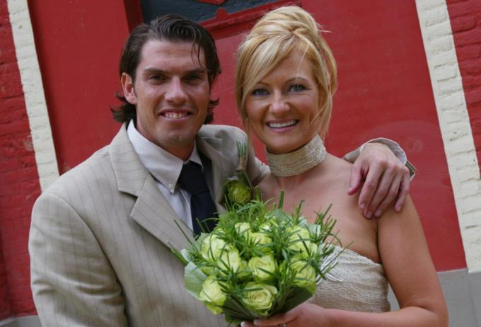 Tommy en Vicky - hier bij hun huwelijk - zijn de trotse ouders van twee dochters.© KRANT VAN WEST-VLAANDEREN