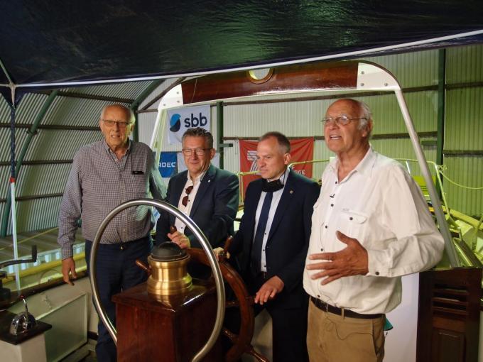 Staf Wittevrongel, burgemeester en havenvoorzitter Dirk De fauw, Vlaams minister Matthias Diependaele en Piet Wittevrongel.© RJ