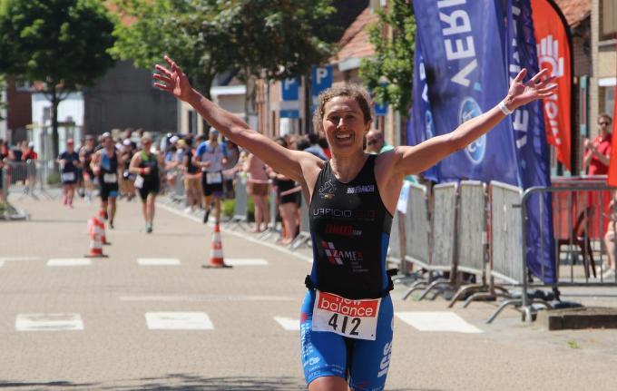 Xenia Luxem won net als de vorige editie in 2019 de Kallemoeie Triatlon bij de dames.© ACR
