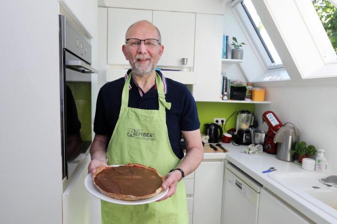 Paul Vanthournout kan goed koken en, in de voetsporen van zijn vader-patissier, ook lekkere taarten bakken.©Johan Sabbe