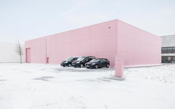 The Pink Building, het hoofdkwartier van Maister, is het visitekaartje van het bedrijf.© GF