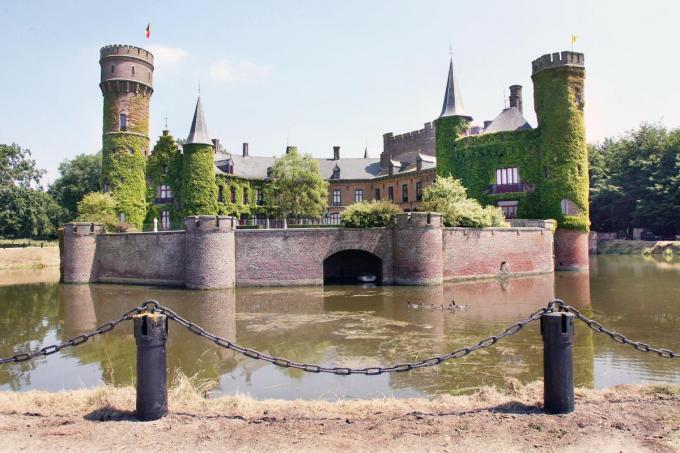 Het eeuwenoude Kasteel Wijnendale, met te bezoeken museum, blijft een van de visitekaartjes van Torhout.©Johan Sabbe