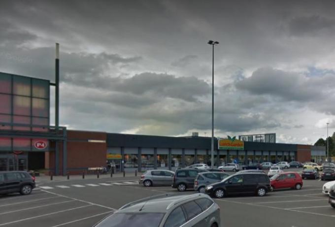 In het winkelcentrum liep de schermutseling uit de hand.© gf