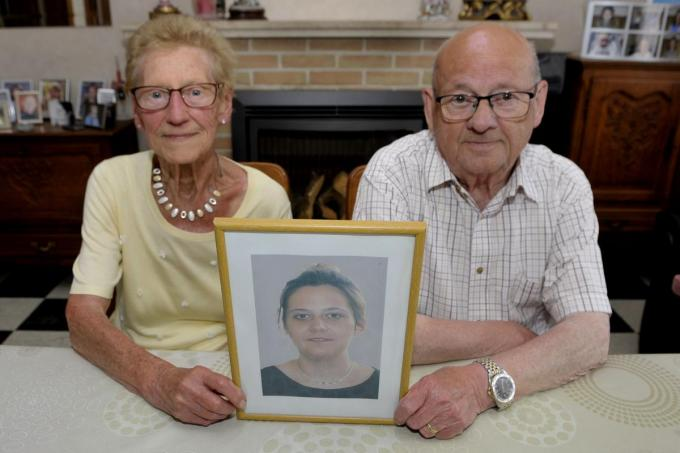 Christiane en Willy hebben het nog altijd zwaar met het verlies van hun kleindochter Annelies.© FODI