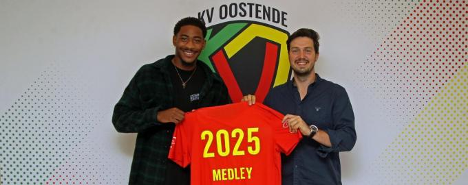 Zech Medley, hier samen met executive president Gauthier Ganaye, tekende een contract tot 2025 bij KVO.© gf