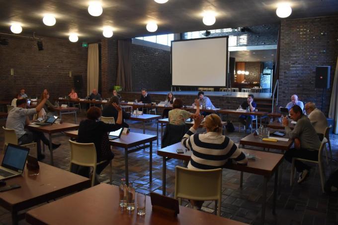 De gemeenteraad vond plaats in het Dorpshuis in Jonkershove. (Foto TOGH)