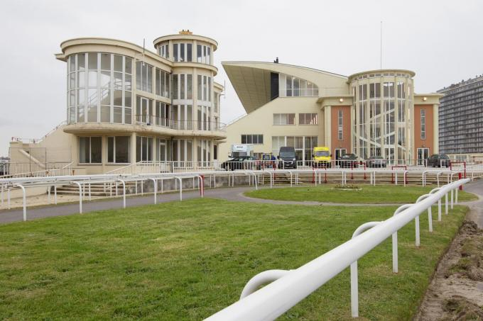 De Wellingtonrenbaan in Oostende zal dienen als decor voor 'Van hier tot in Tokio'.© BELGA