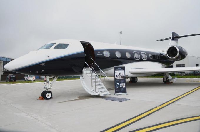 Vliegtuigbouwer Gulfstream kwam op de luchthaven Kortrijk-Wevelgem de nieuwe Gulfstream G500 en de middelgrote G280 voorstellen.© BRU