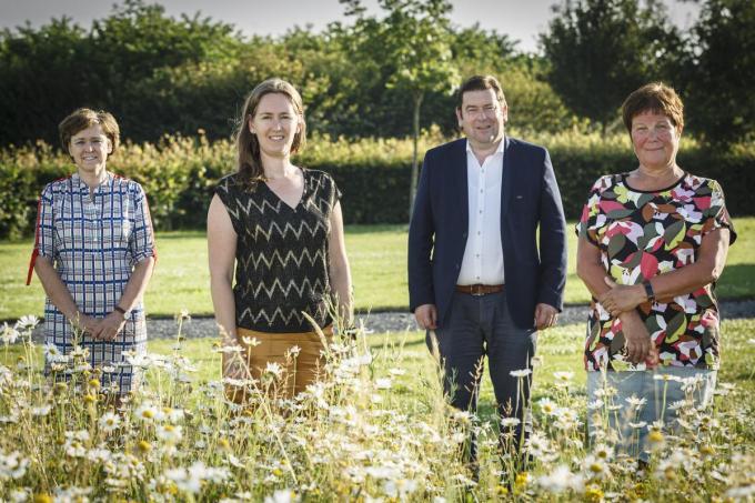 Het gemeentelijk relanceplan werd voorgesteld. We zien Carlone Seynhaeve, Sien Jacques, Bart Dochy en Gerda Dewulf . (foto JS)©jan_stragier Jan Stragier