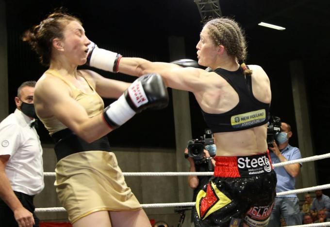 Delfine Persoon deelde rake slagen uit aan Elena Gradinar.© VDB