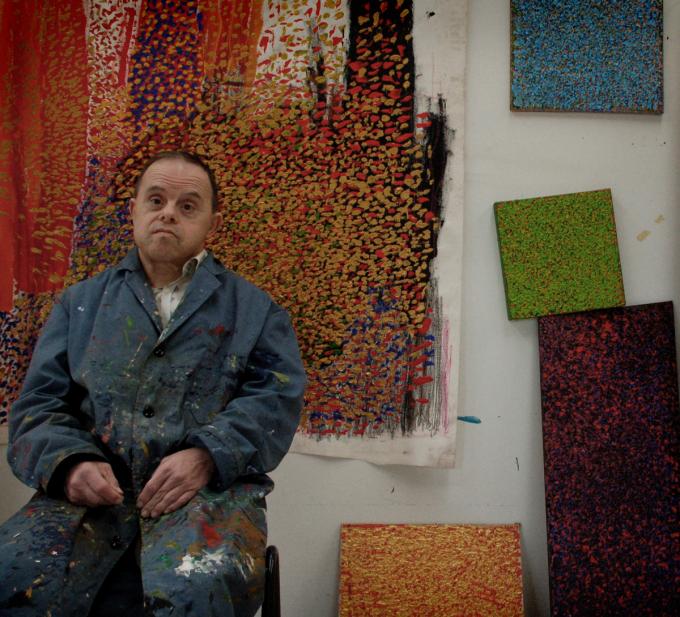 In Studio Artîlerie krijgen de deelnemers de ruimte en tijd om zichzelf op een artistieke wijze te ontdekken en te onderzoeken.© De Lovie