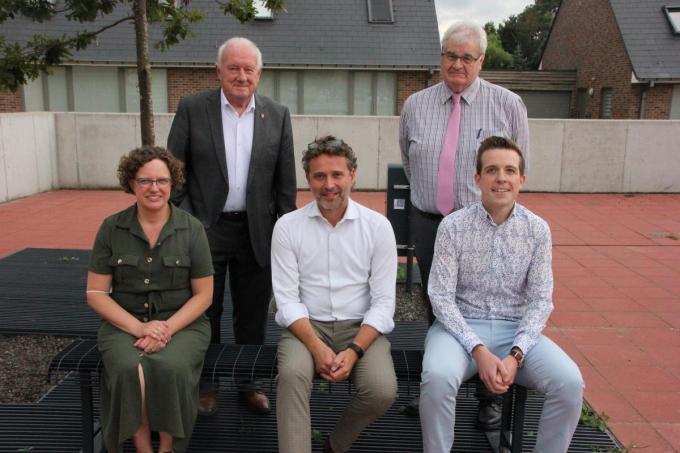 Vlnr.: Heidi Lievrouw, Paul Lambrecht, Denis Fraeyman, Ivan Delaere en Stijn Vandenhende.© JG