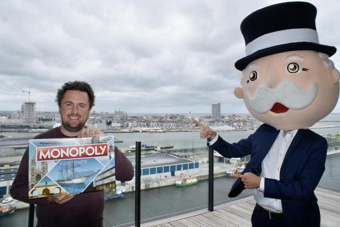 Initiatiefnemer Pieter De Wulf wist spelenderwijs Oostende in een spellendoos te verpakken.© Marc Loy