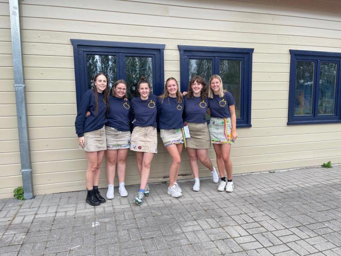 Noa Sypré (21), Katoo Franssens (19), Marie Van de Walle (19), Lauranne Deblonde (19), Eden Lekens (18), Britt Versluys (19). (foto AVH)