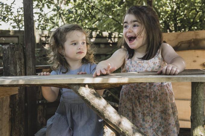 De zusjes Myrthe (2,5) en Clara (bijna 4) Vandierendonck hebben allebei dezelfde immuunstoornis.