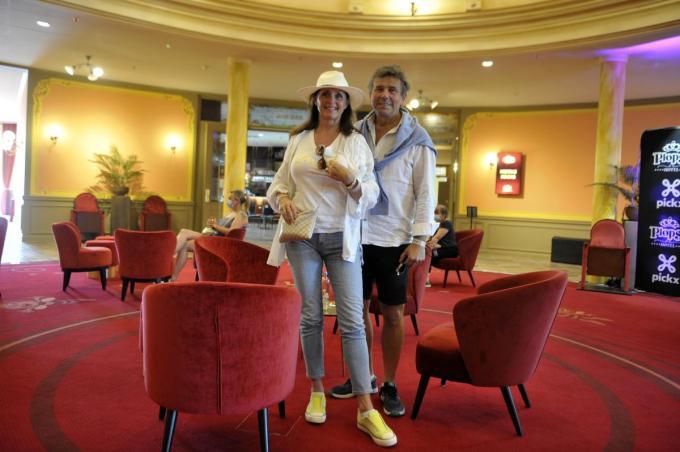 Wendy en Frans in het atrium van het Plopsa Hotel.