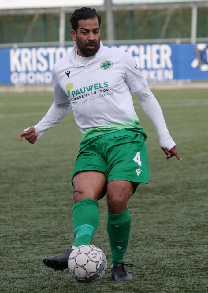 Jason Vandelannoite van KM Torhout, een ploeg die een hele metamorfose onderging. Vandelannoite is een van de bekende namen in het amateurvoetbalwereldje.