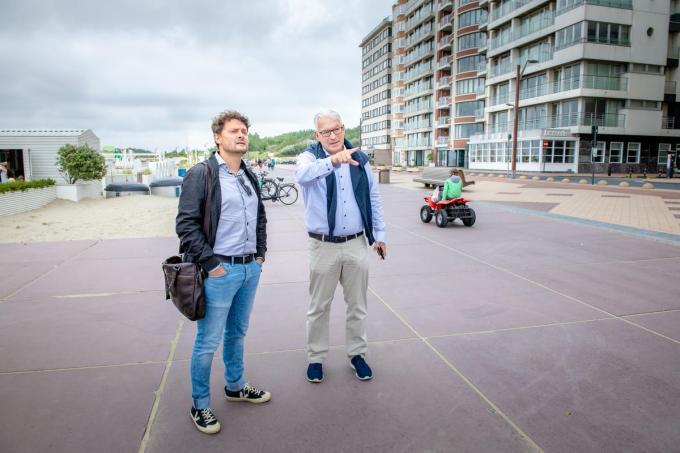 Piet De Groote met journalist Paul Cobbaert.