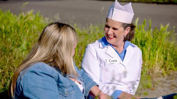 Ruth Beeckmans gaat op bezoek bij Cora van Mora. (foto VTM)