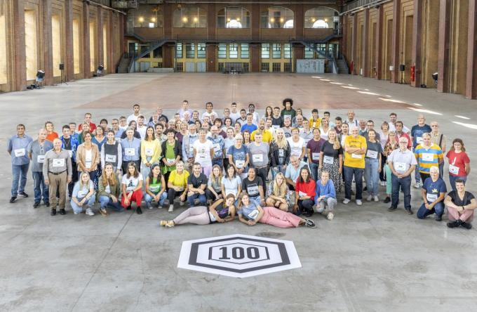 Deze groep gaat de komende honderd dagen de uitdaging aan met elkaar. (foto VRT)