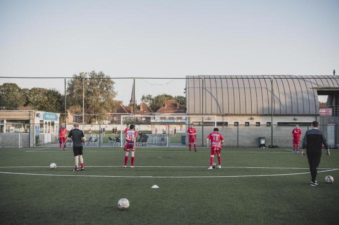 KV Kortrijk heeft drie G-voetbalteams: de Reds, de Whites en de Blues.