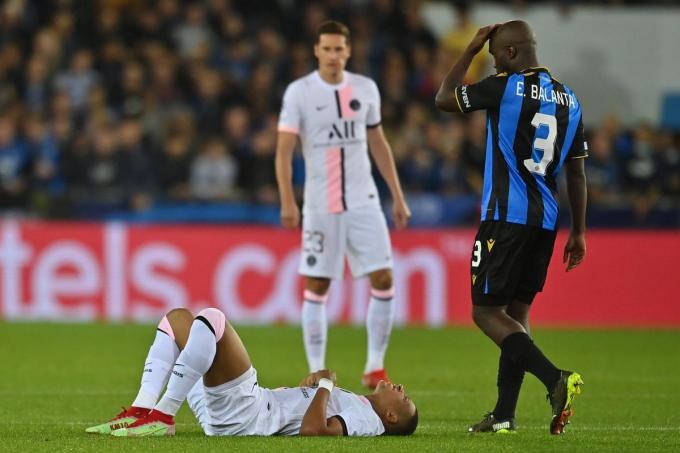 Minuut 51: Kylian Mbappé zal dit keer geen hattrick scoren, want hij moet naar de kant.