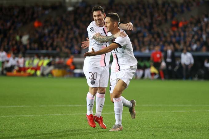 Minuut 15: Messi juicht, want Ander Herrera heeft zonet de 0-1 gescoord.