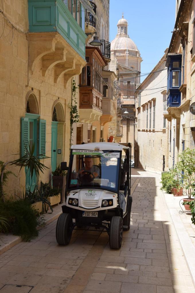 Met de golfkarretjes van Rolling Geeks rijd je waar andere toeristen nooit komen.