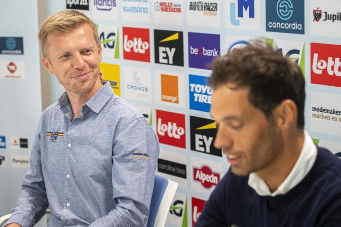 Frederik Broché, technisch directeur bij Belgian Cycling met bondscoach Sven Vanthourenhout. (foto belga)