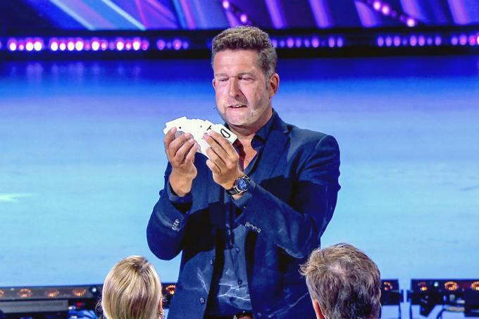 Gunther Guinée, alias Guinelli, tijdens zijn pakkende act in Belgium's Got Talent.
