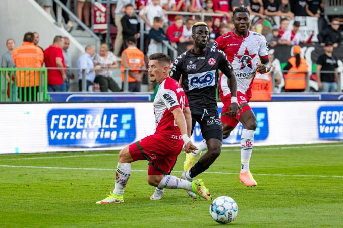Pape Habib Gueye bracht KV Kortrijk op voorsprong.
