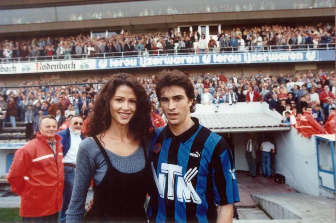Tijdens zijn jaren bij Club Brugge vormde Paul Okon even een showbizzkoppel met Phaedra Hoste.