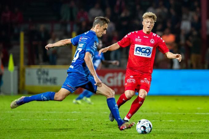 Victor Torp komt langzaam op zijn plooi bij KV Kortrijk. (foto xx)