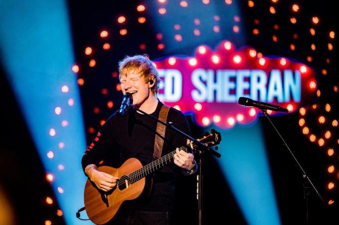 Ed Sheeran vindt het thema van De Warmste Week zo belangrijk dat hij maandag een showcase gaf, waarop Elodie aanwezig mocht zijn.