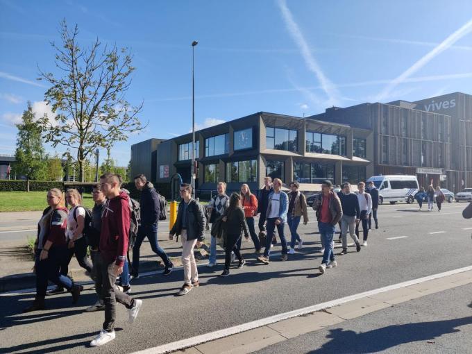 De studenten van Vives werden geëvacueerd en in allemaal in veiligheid gebracht. Van een concrete dreiging was volgens het parket nooit sprake.
