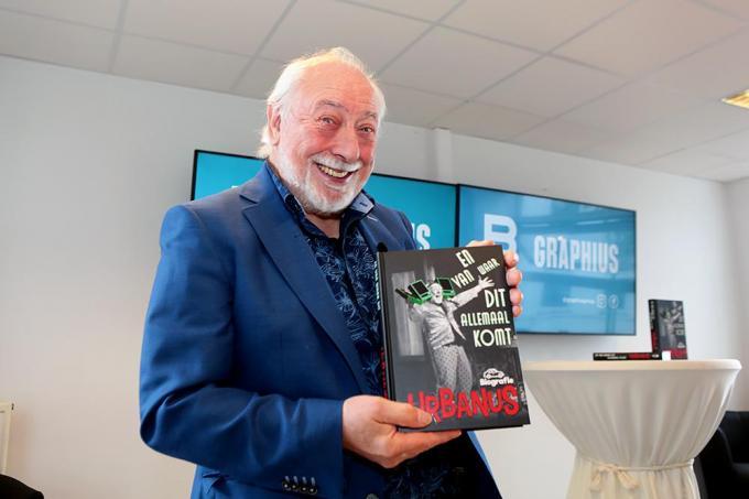 Urbanus is trots op zijn autobiografie.