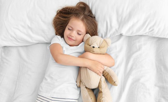 Peuter Groot Bed.Voor Het Eerst In Een Groot Bed Slapen Libelle Mama