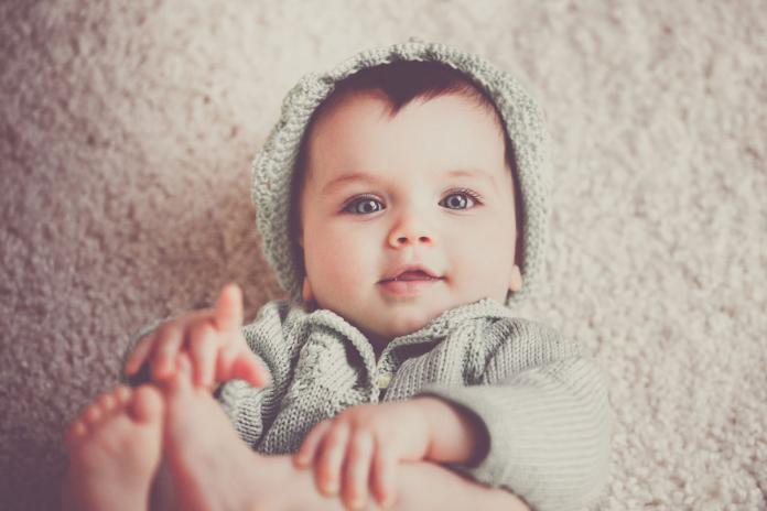 Dilemme pour les mamans   votre bébé a-t-il trop chaud ou trop froid ... ff5c3ca9985c
