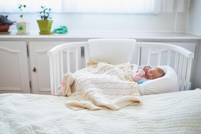 baby op slaapkamer ouders