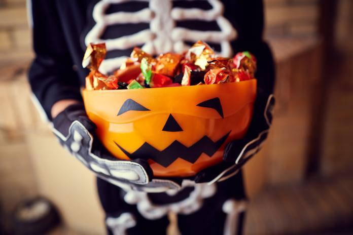 Halloween Schmink Kind.Halloween Hoe Schmink Je Je Kind Als Skelet Libelle Mama